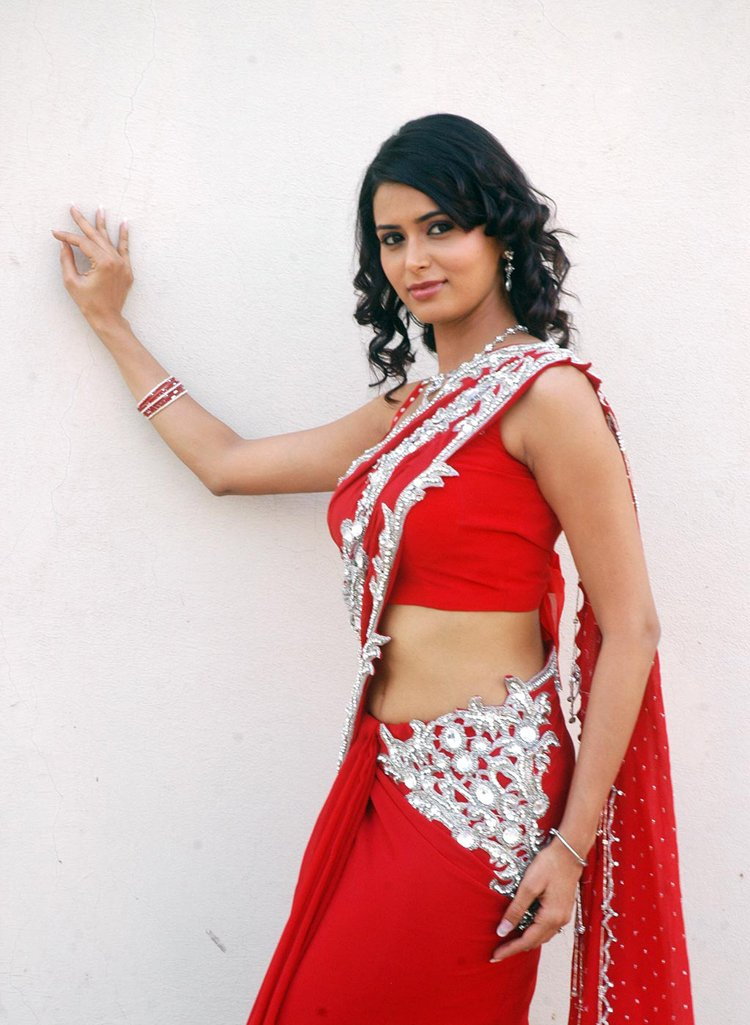 Actress Saree Below Navel Show Photos