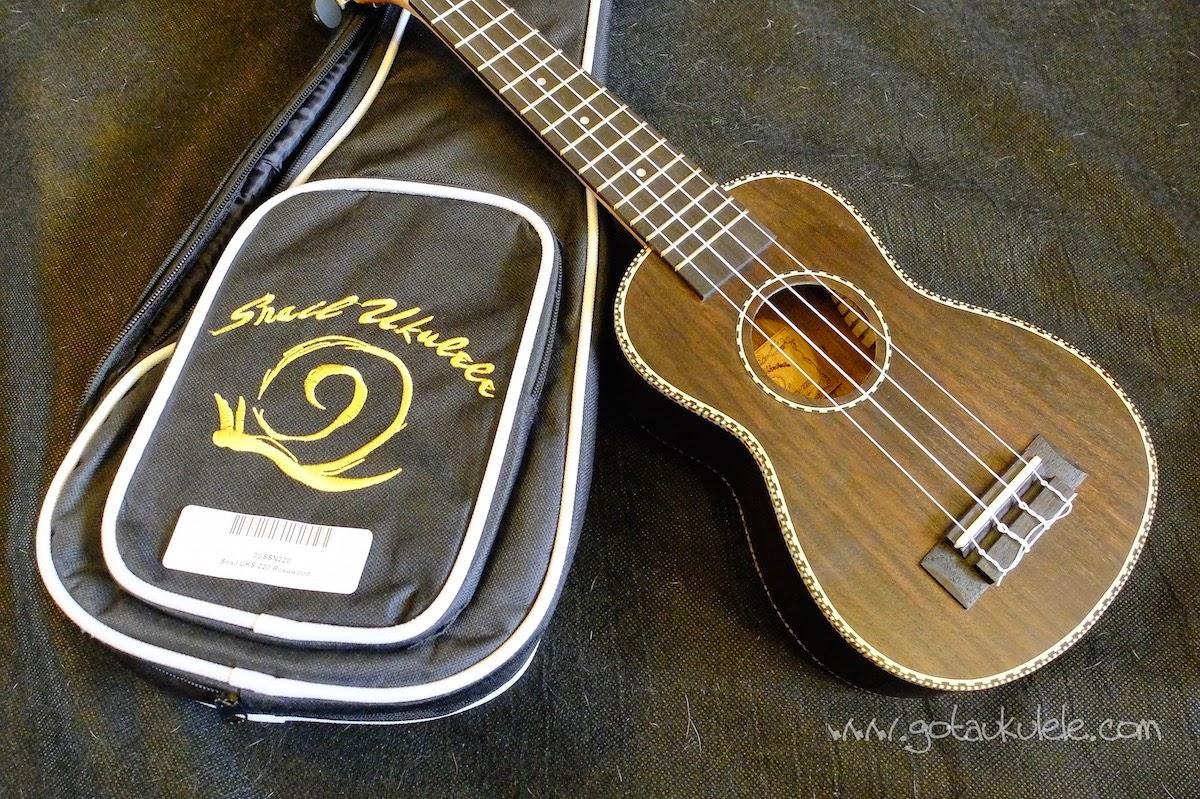 Snail UKS-220 Rosewood Soprano ukulele gig bag
