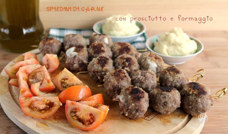 spiedini di carne con prosciutto e formaggio, senza glutine