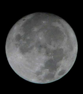Rasulullah Membelah Bulan