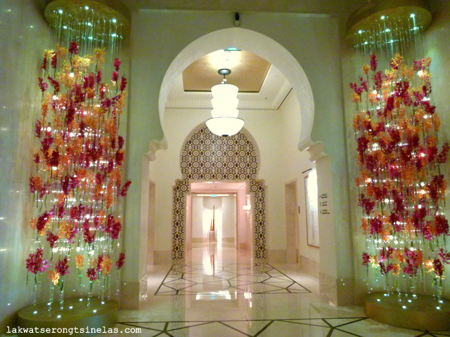 http://www.agoda.com/four-seasons-resort-dubai-at-jumeirah-beach/hotel/dubai-ae.html?cid=1651142