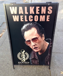 http://www.funnysigns.net/walkens-welcome/