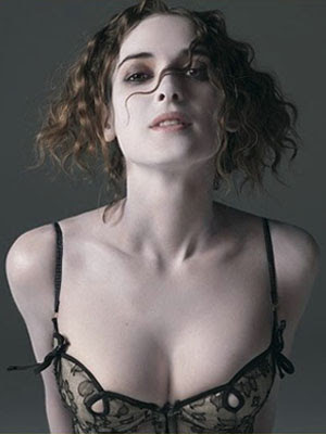 Winona Ryder Hot short hair