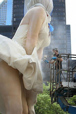 Marilyn Monroe Sculpture in Chicago Seen On www.coolpicturegallery.us