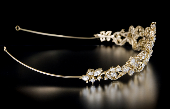 http://cassandralynne.com/collections/gold-bridal-hair-accessories/products/gold-wedding-tiara-with-teardrop-and-marquise-jewels