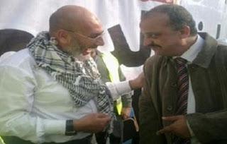بالفيديو: مواطنين يطالبوا وزير الداخلية بضرورة وضع محمد البلتاجي مع نخنوخ في زنزانة واحدة