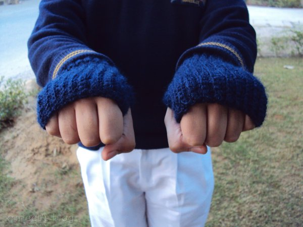 Crochet finger-less gloves for kids