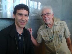 Antonio Mazaira Riocabo (alumno) con John Mayall (A Coruña, 16/06/11)