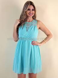 vestido curto azul claro de voal - dicas e fotos