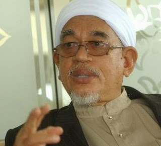 PRESIDEN PARTI ISLAM SEMALAYSIA ( PAS )