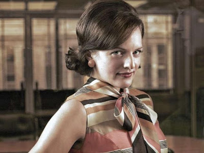 Elisabeth-Moss-Emmys-2013
