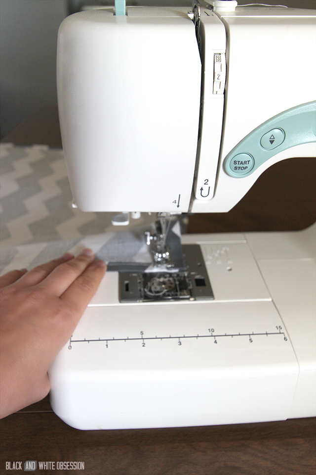 Quick and Easy 15 Minute Curtains: Sew Seams | www.blackandwhiteobsession.com