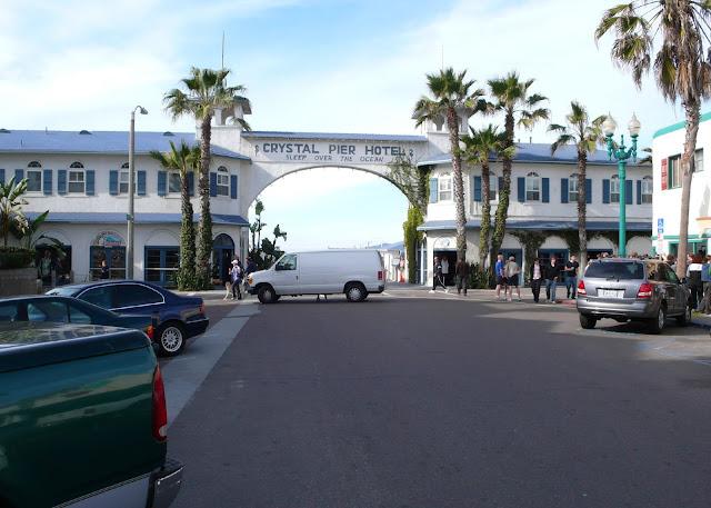 Crystal Pier Hotel Enrtry Arch