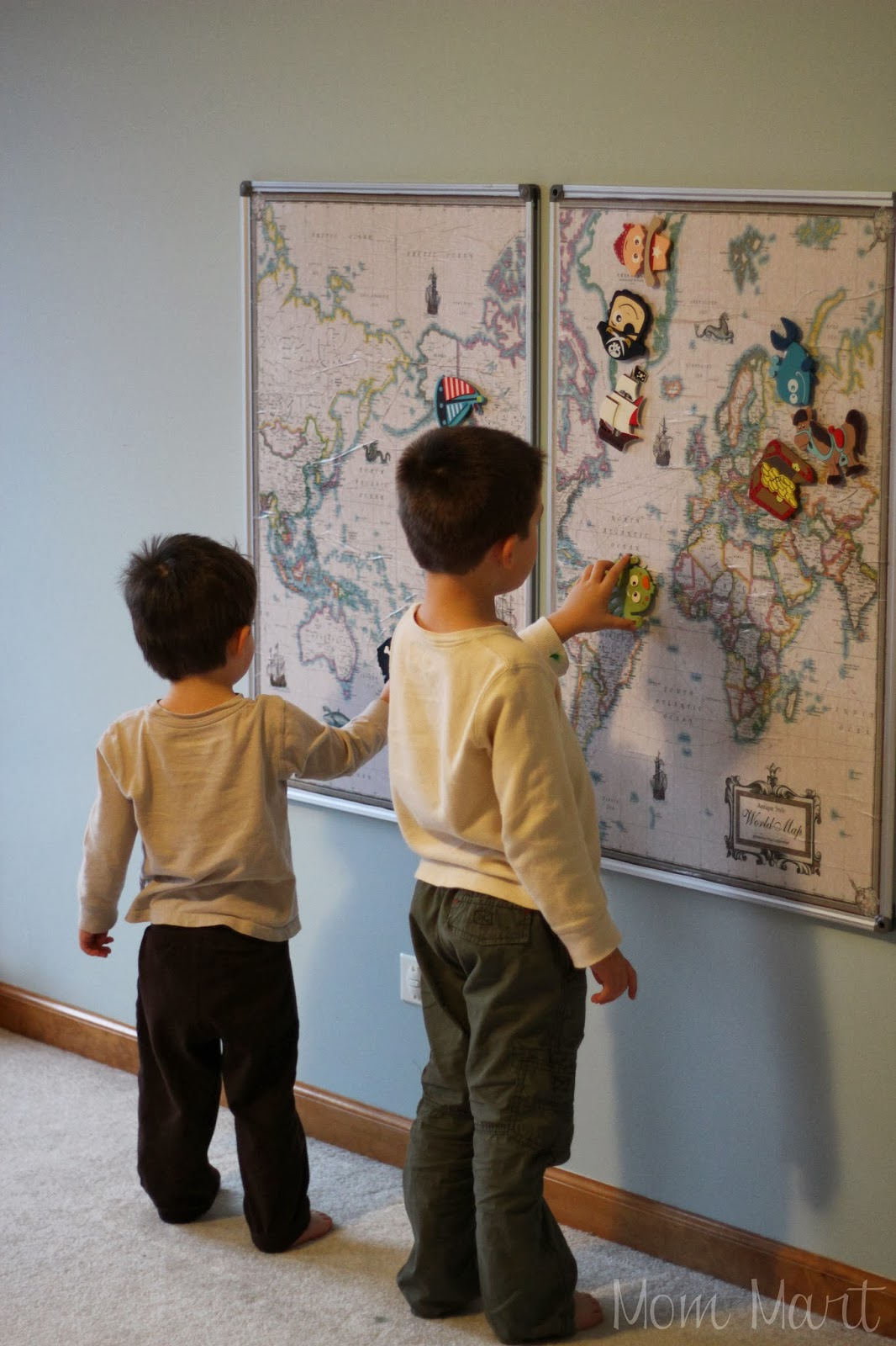 Mom Mart DIY Magnetic World Map Wall Art Project