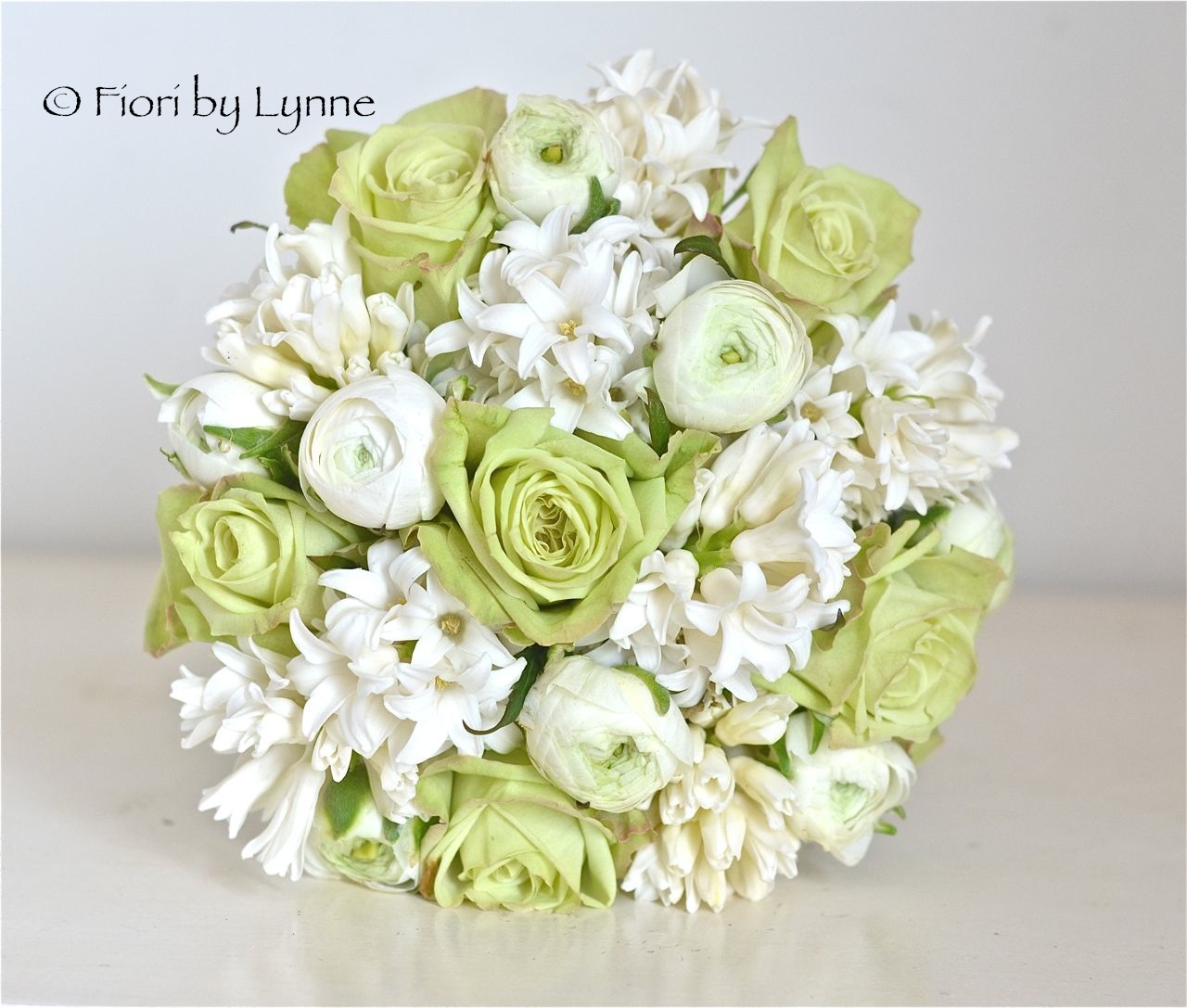 wedding flowers blog sarah and andy 39 s spring wedding flowers the white horse romsey. Black Bedroom Furniture Sets. Home Design Ideas