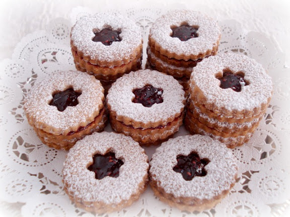 Olga's Home and Garden Blog: Linzer Torte Cookies