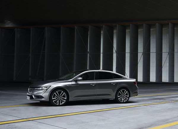 「Renault Talisman」のフロント斜め画像