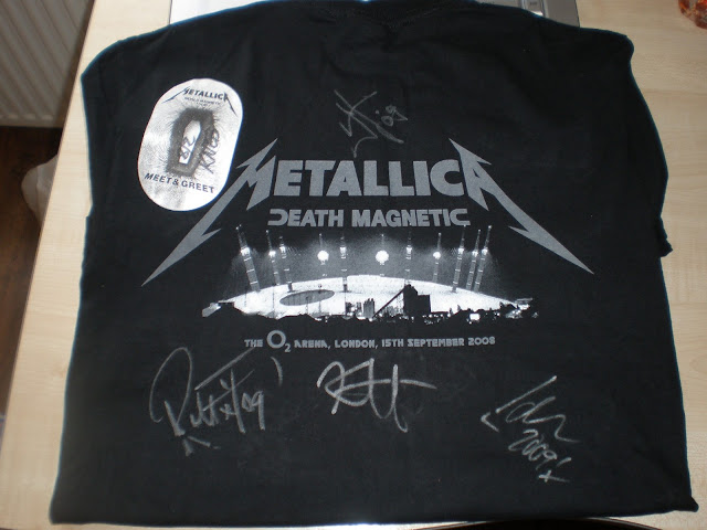 metallica, meet and greet, james hetfield, rob t, lars ulrich, kirk hammet, sonisphere, autograph, signed, meeting, heavy metal, festival, gig, knebworth, rail