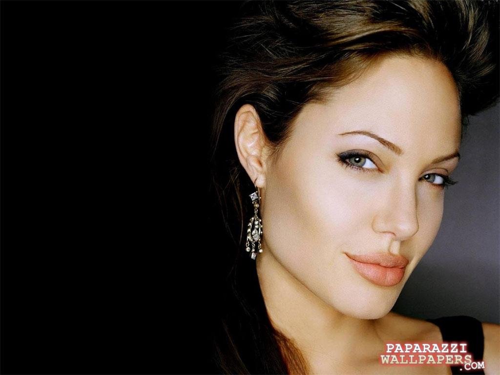 http://4.bp.blogspot.com/-mAguPIke7l4/TayxvWNg5XI/AAAAAAAAGzQ/RlRXrzlLJDE/s1600/angelina_jolie_wallpapers_116.jpg