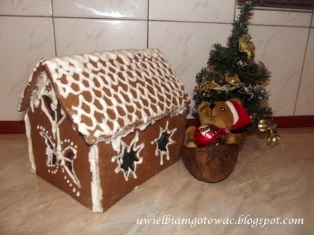 Chatka z piernika i życzenia świąteczne