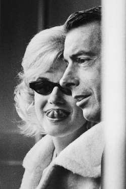 Marilyn-Monroe-And-Joe-DiMaggio
