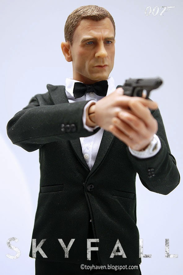 Wild toys 1/6 agent james 3 different version of costume (box figure set)