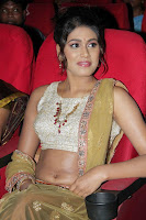 Manisha Yadav wet navel 3