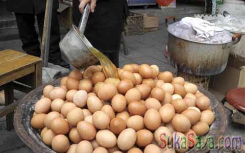 Telur Rebus Di China Di Masak Pakai Urine Anak Laki-Laki, Ada yang Mau Coba?