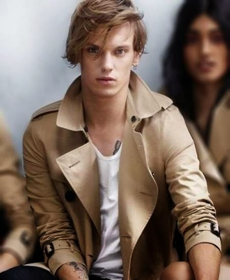 English model Jamie Campbell Bower HD Wallpapers