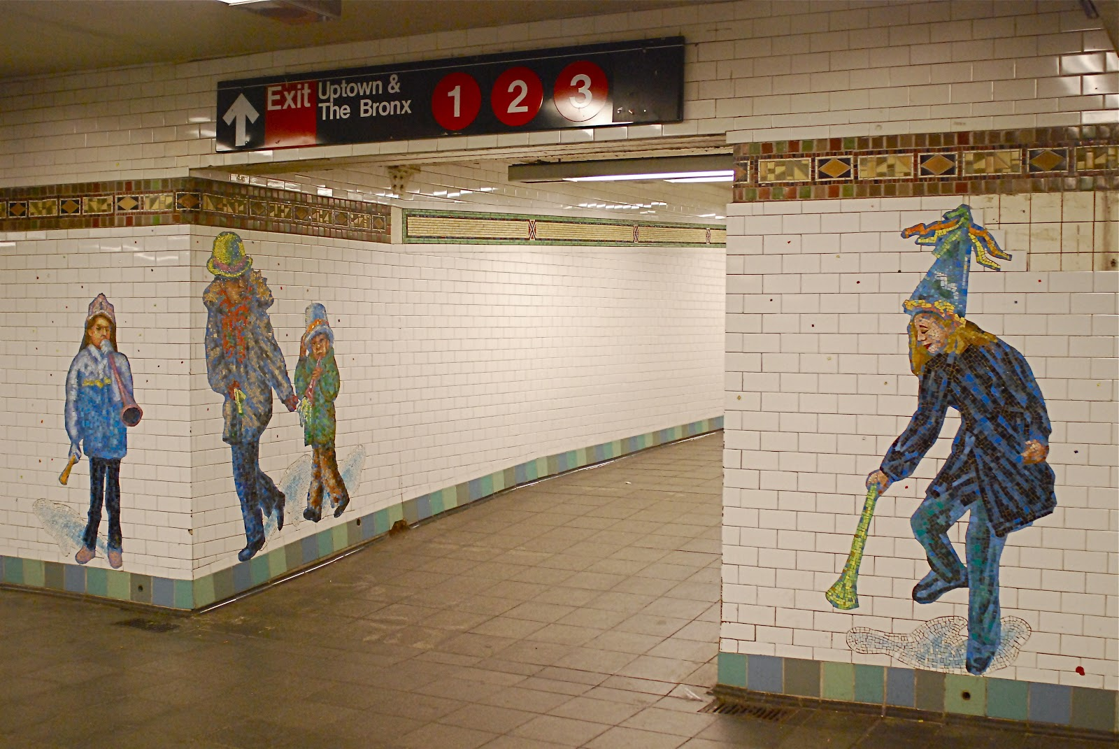NYC ♥ NYC: New Year\'s Eve-Themed Subway Art: \