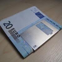 http://readapta2.blogspot.com.es/2012/03/clip-para-billetes.html