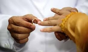 ISTERI LARANG SUAMI BALIK JENGUK MAK AYAH