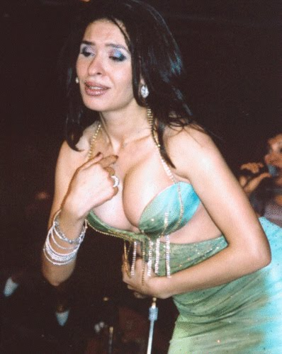 فيديو نيك الفنانة دينا http://staronlin.blogspot.com/2011/07/blog-post_3302.html