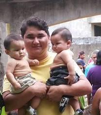 Joélcio com seus filhos Davi e Daniel, meus netinhos-Gêmeos Univitelinos
