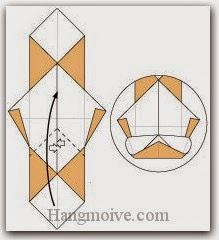 Bước 9: Mở hai lớp giấy trên cùng ra, kéo và gấp lớp giấy lên trên.