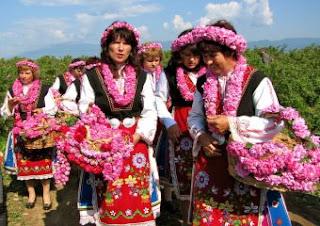 Merayakan Mawar Emas di Bulgaria 2