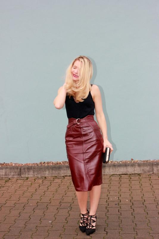 fleurani new year s look burgundy leather pencil skirt