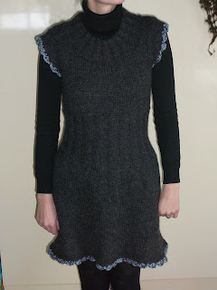 Varrukateta kleit DROPS 108-7 P1070763