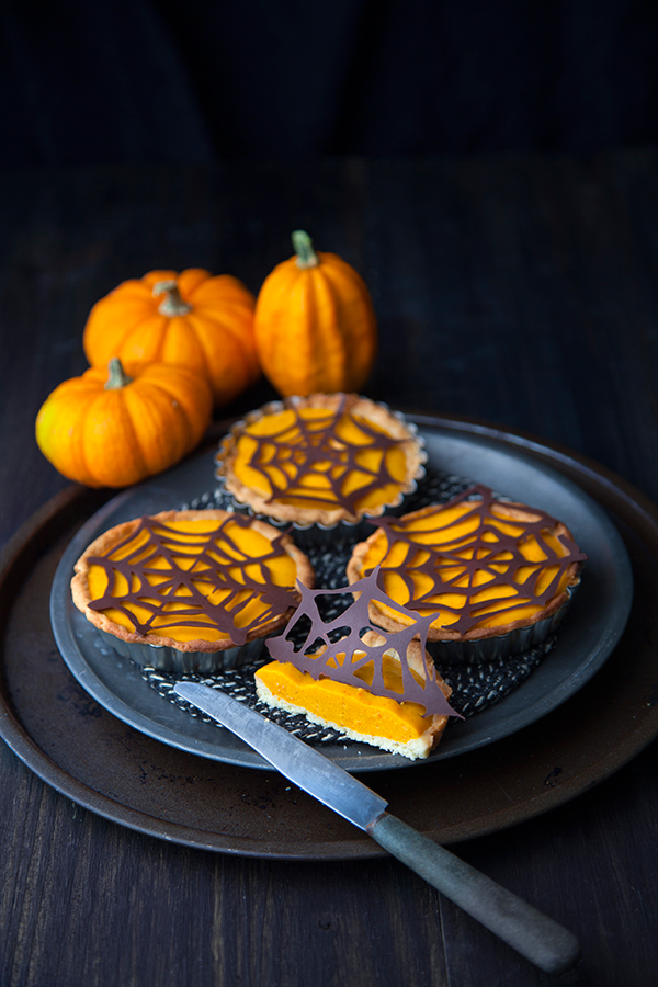 Mini Pumpkin Pies - by Marie Laforêt