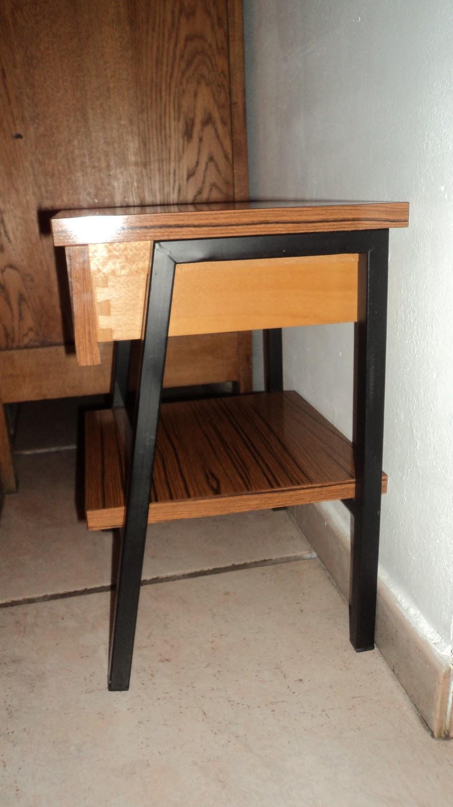 lucie la chineuse table de chevet en formica. Black Bedroom Furniture Sets. Home Design Ideas