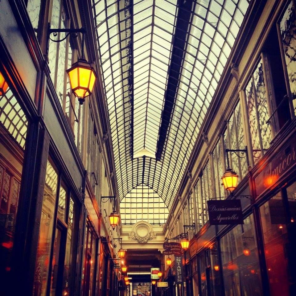 PARIGI: OLTRE L'APPARENZA (pensiero breve)