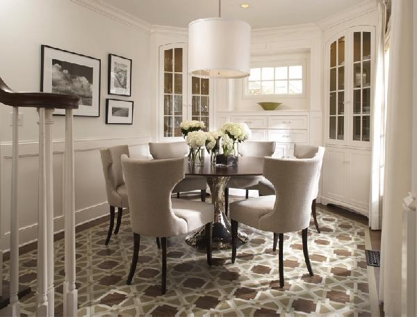 Dining table round room chairs lighting chandelier rug for Rug for round dining table