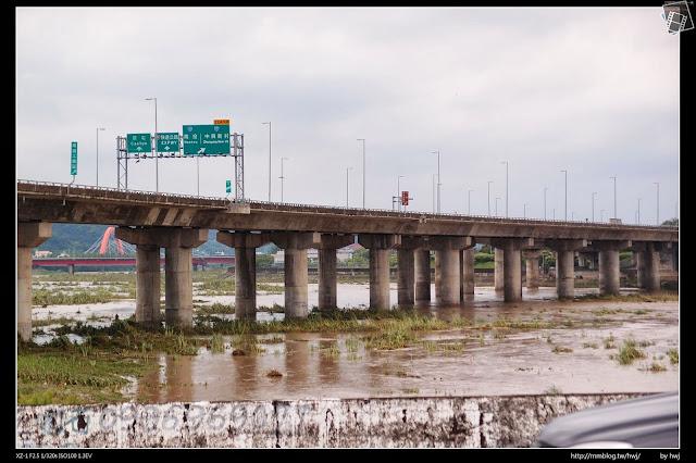 2013-07-13 蘇利颱風侵襲南投 這邊的路也封了!