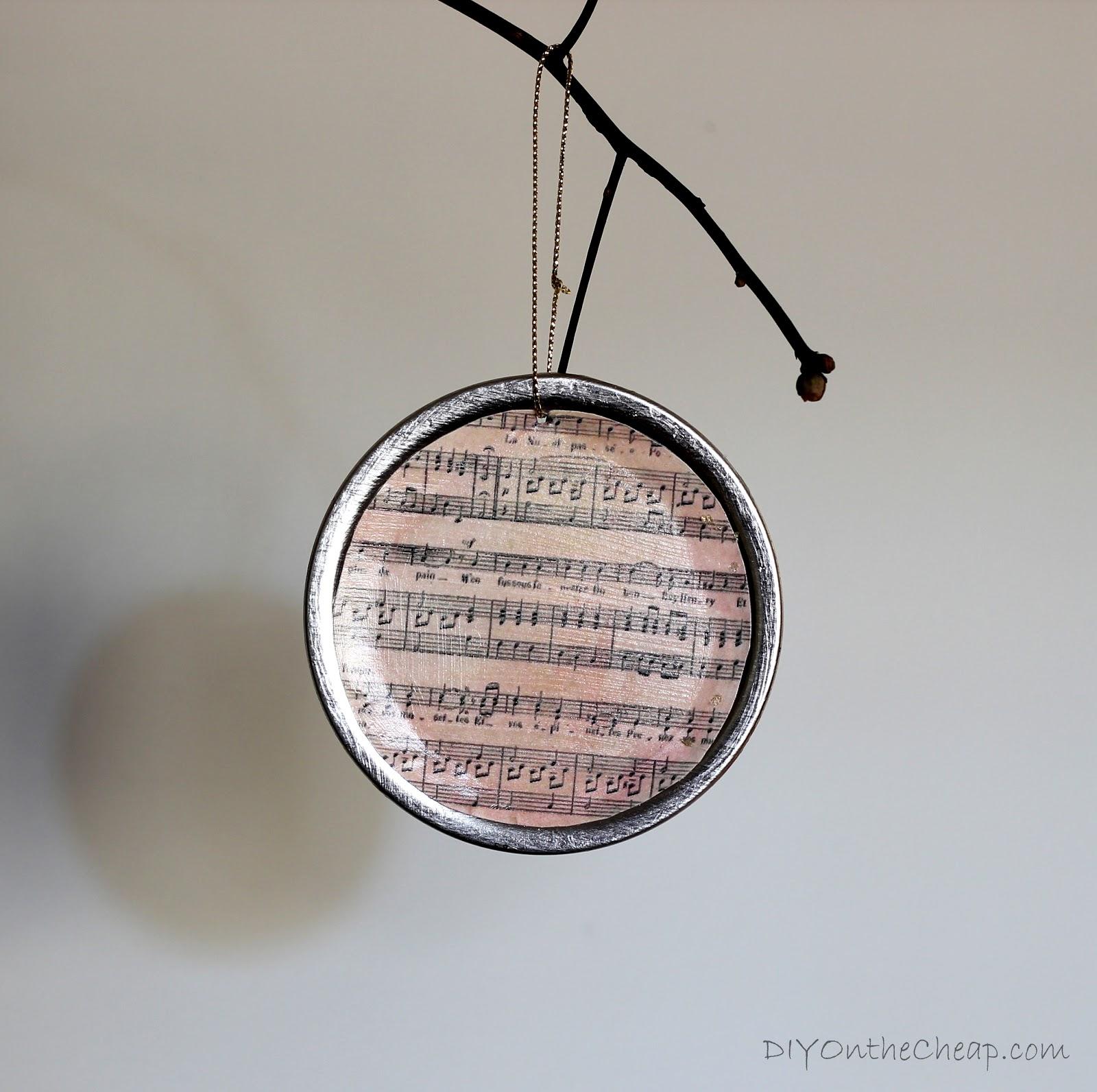 Mason jar ornaments - Diy Mason Jar Lid Ornaments