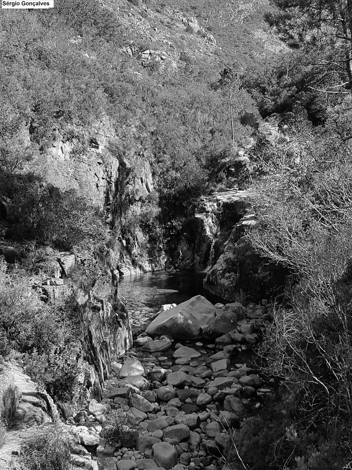 Cascata da Portela do Homem.  Terras de Bouro.