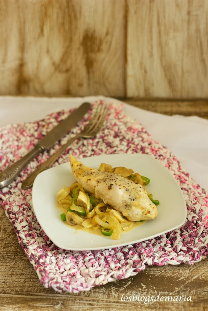 Pechugas de pollo a la mostaza con vino y nata