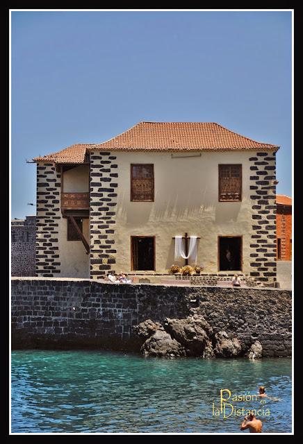 Cruz-casa-de-la-aduana-mayo-2015-Puerto-de-la-Cruz