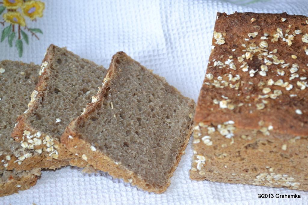 Chleb żytni z ziemniakami.