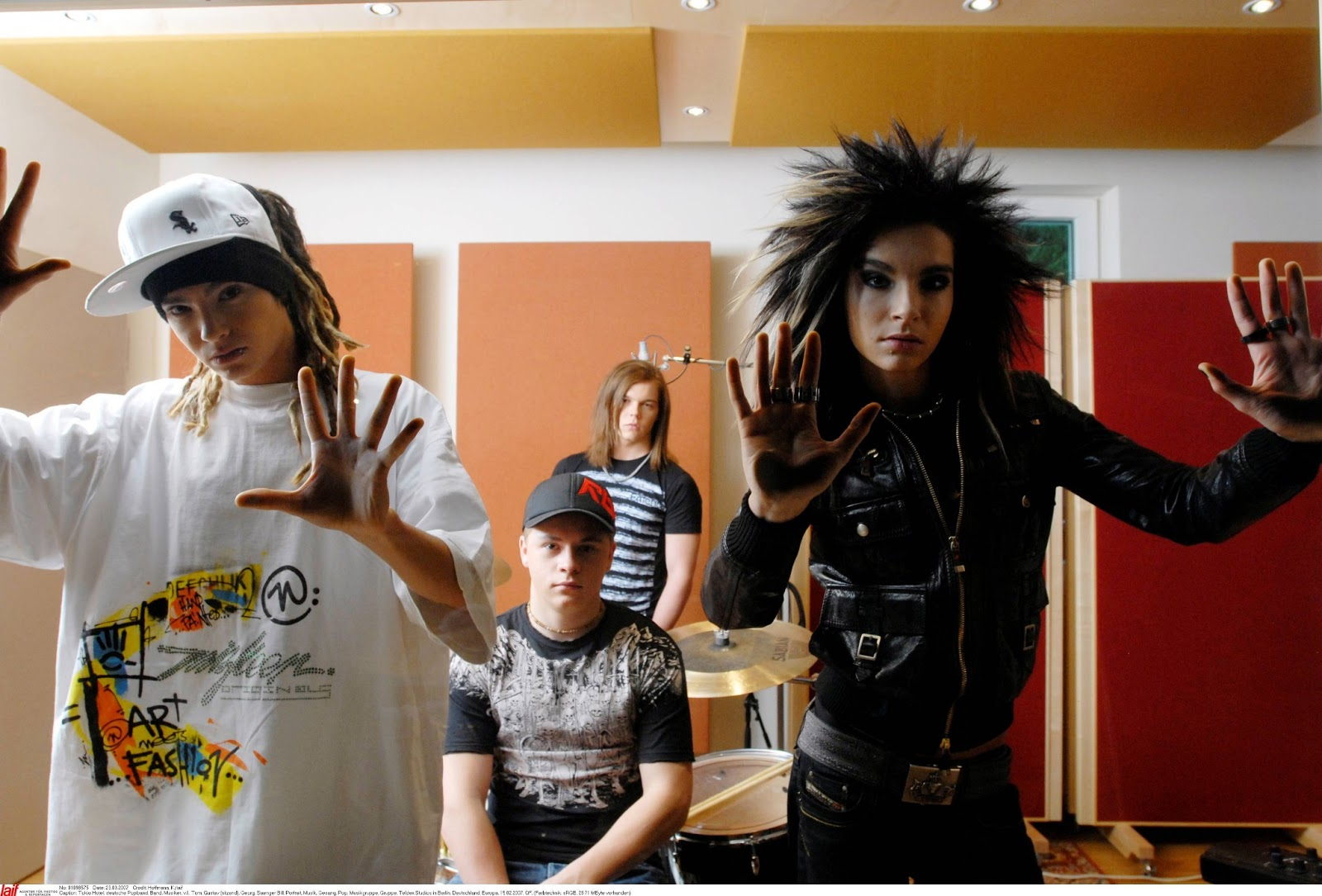 Is Google Making Us Stupid Essay TokioHotel THdotcomStudio Is Google Making Us Stupid Essay