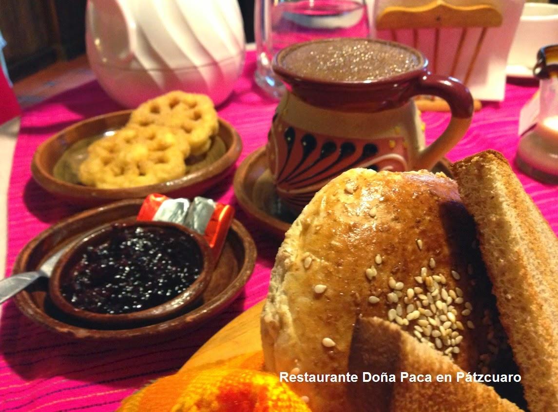 El Tradicional Chocolate de Metate para desayunar en Pátzcuaro en Restaurante Doña Paca